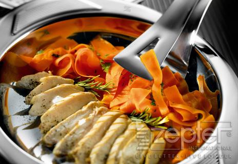 Kuřecí prsíčka s mrkvovými tagliatelle