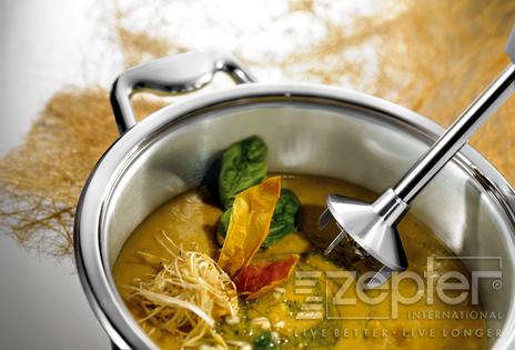 Kroupová polévka s bazalkou