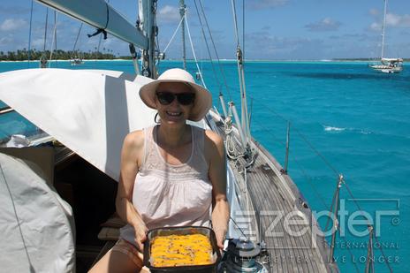 Cocos Keeling v Indickém oceánu - přistáli jsme po dlouhé plavbě z Indonésie, čerstvý koláč